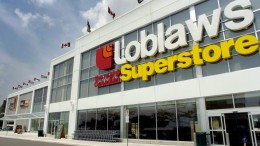 Exteriors of the  Loblaws Real Canadian Superstore at Don Mills Rd. and Eglinton Ave. East. MAY.26.2004  photo by Fred Lum/The Globe and Mail DIGITAL IMAGE
