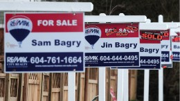 VANCOUVER, BC., February 29, 2016 -- For Sale signs on Grandview Highway to illustrate any real estate story in Vancouver, BC., February 29, 2016.  (Nick Procaylo/PNG)   00041980A