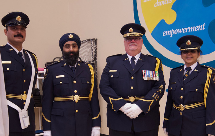 corrections canada appoints first turbaned sikh warden desibuzz