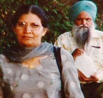 >Malkit Kaur Sidhu and Surjit Singh Badesha, mother and uncle respectively of Jaswinder Kaur 'Jassi' Sidhu, who was killed in India.  — CBC file photo